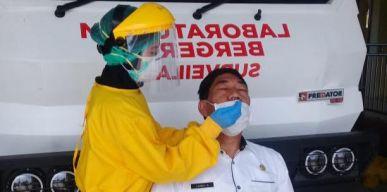 Pegawai Dinas Kesehatan Provinsi Lakukan Test PCR
